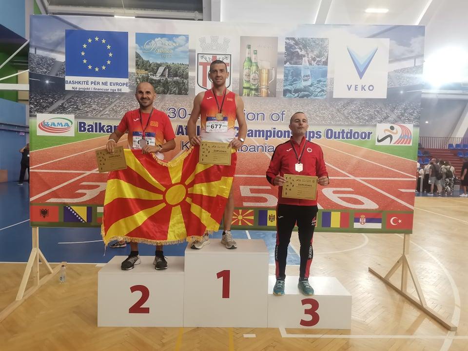 Столе Ангеловски шампион на 800 метри на Балканското атлетско првенство за ветерани во Албанија